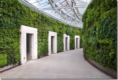 LongwoodGardensGreenWall6-hallway view